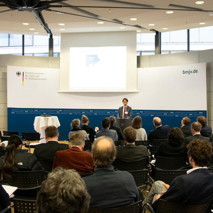 Heiko Richter (MPI) bei seinem Vortrag anlässlich der Verbraucherrechtstage 2019